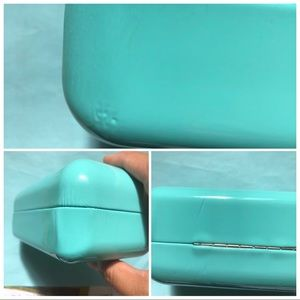 Tiffany & Co. Accessories - Tiffany & Co Sunglasses clamshell Case